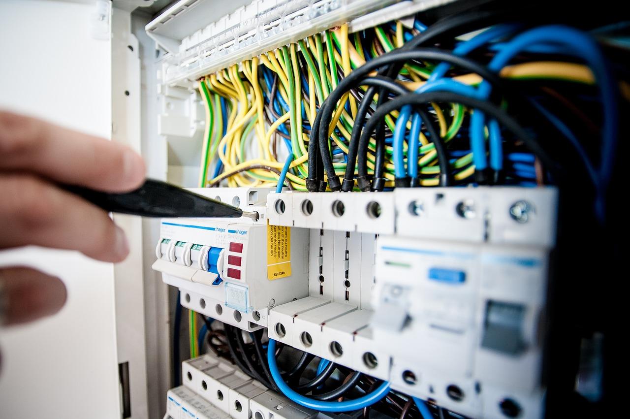 výmena ističov a zapojenie elektrických skríň bratislava
